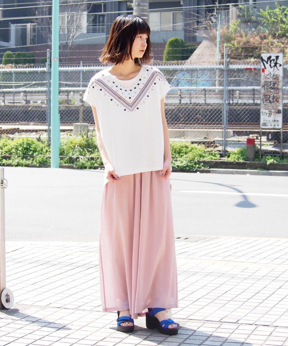 デコルテ刺繍Tシャツ【8263-9003】